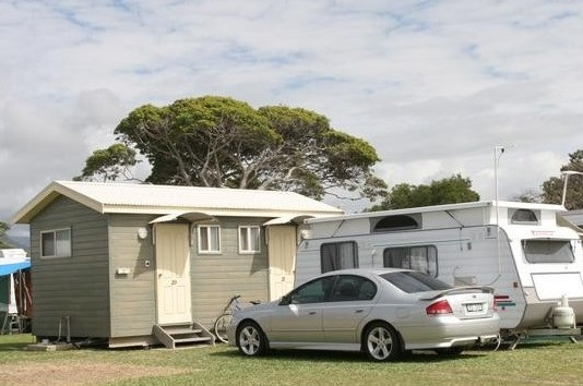BIG4 Rollingstone Beach Caravan Resort - Accommodation Australia