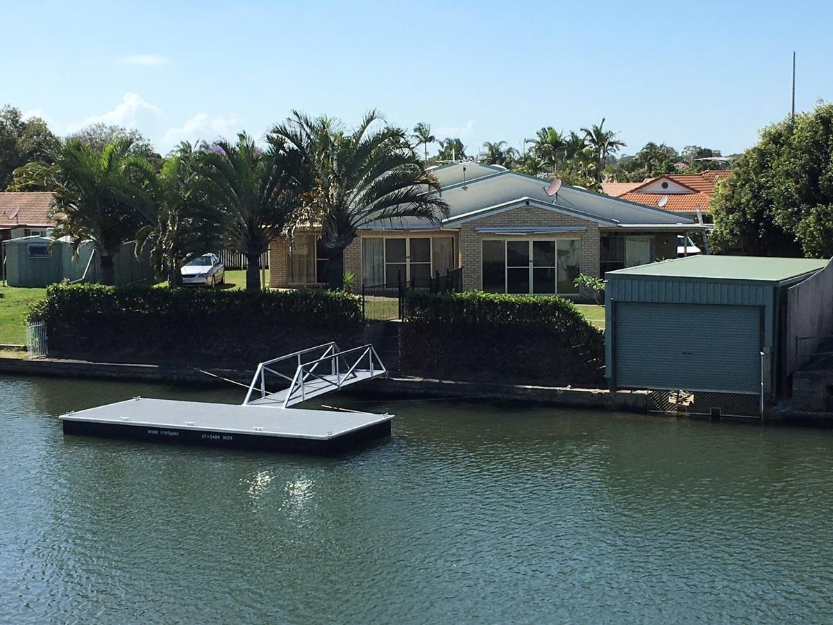 Private Canal Duplex with Pontoon - Oleander Drive, Bongaree